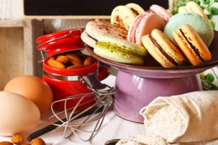 EASY RECIPE FOR FRENCH MACARONS